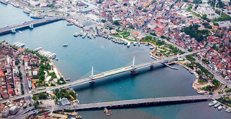 Манящий и отталкивающий Стамбул | VOX POPULI