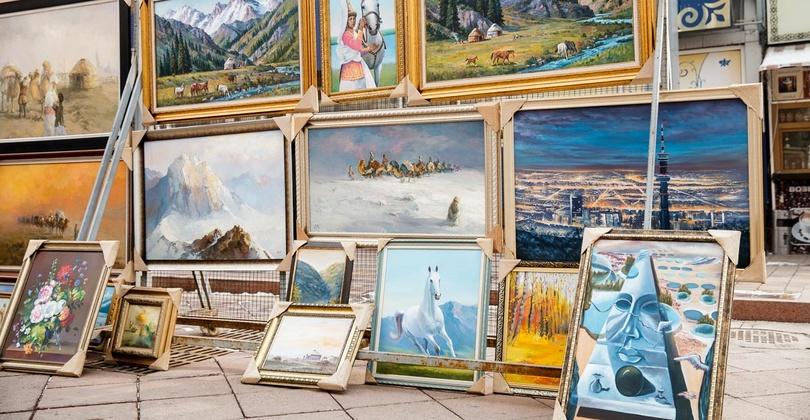 Картины на алматинском Арбате