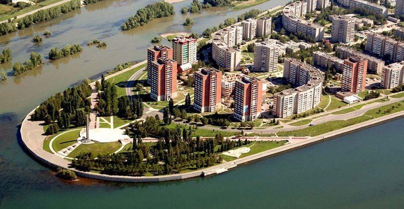 Усть-Каменогорск: Устье у подножья каменных гор