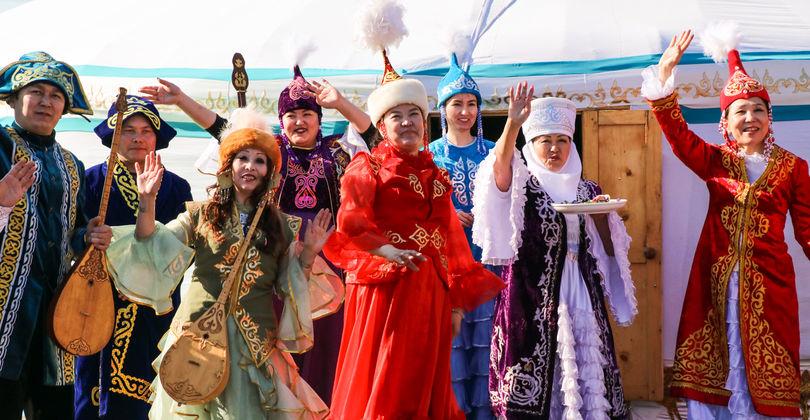 «Казцинк» к Наурызу вручил приз за самый большой баурсак