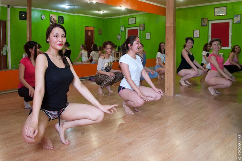 Как научиться танцевать тверк в домашних условиях для начинающих 629
