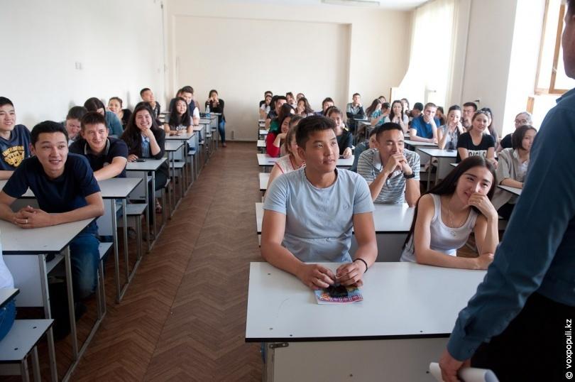 секс галереи для взрослых студентка с парнем в аудитории