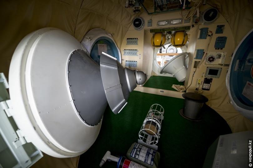 Модуль МКС изнутри
