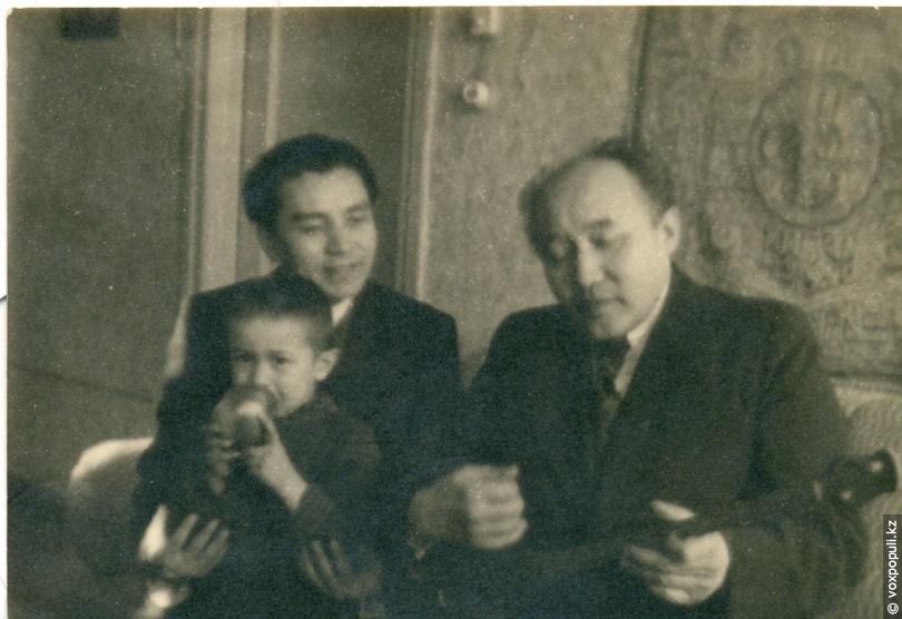 Аскар Токпанов с писателем Мухтаром Ауэзовым
