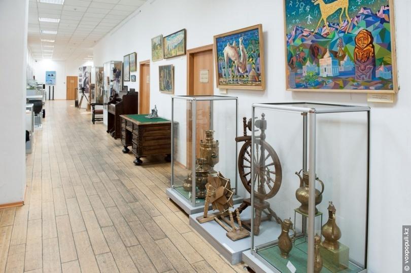 Экспонаты Музея истории города Алматы