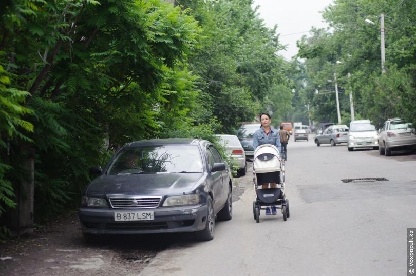 Ежедневно в Алматы въезжает около 300 000 автомобилей из регионов. Люди из Каскелена, Талгара, многочисленных