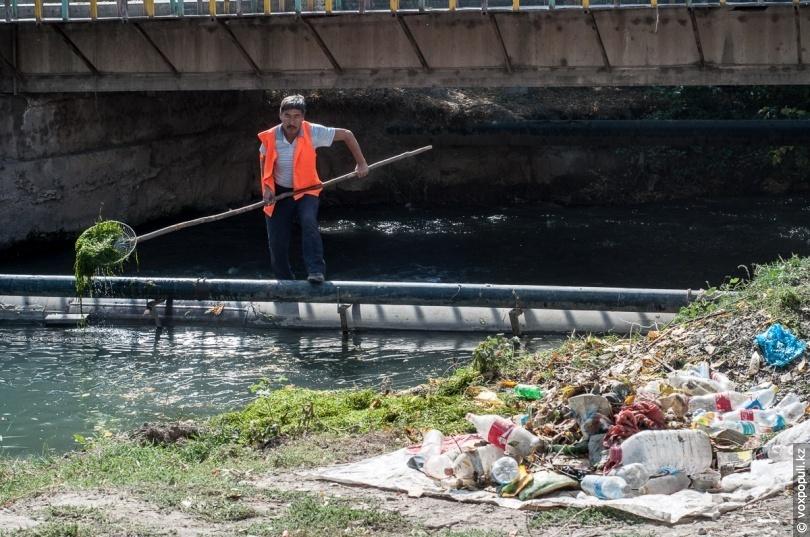 Очистка реки Карасу