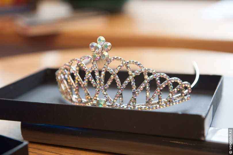 Трофей с конкурса «Мисс Земля»