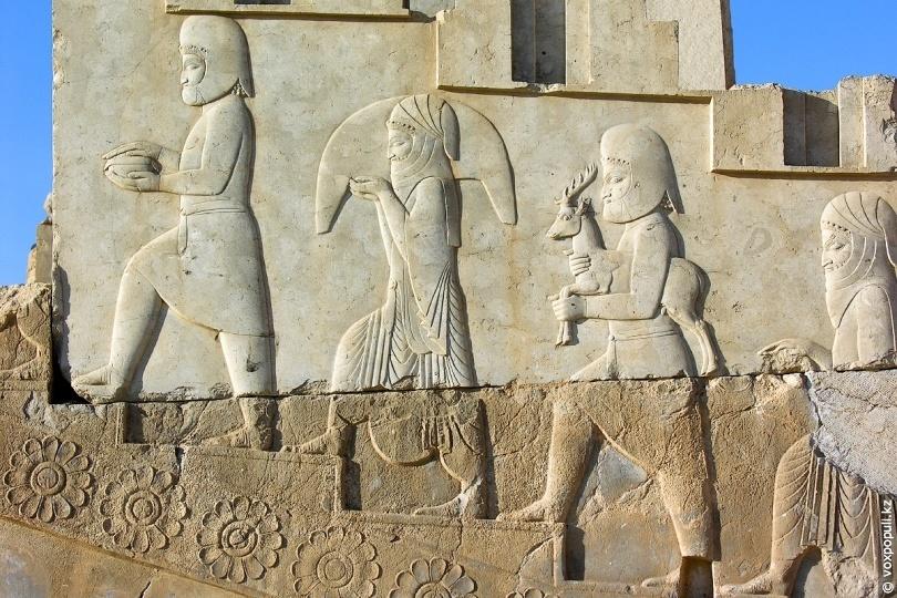 Барельеф на одной из стен Персеполиса
