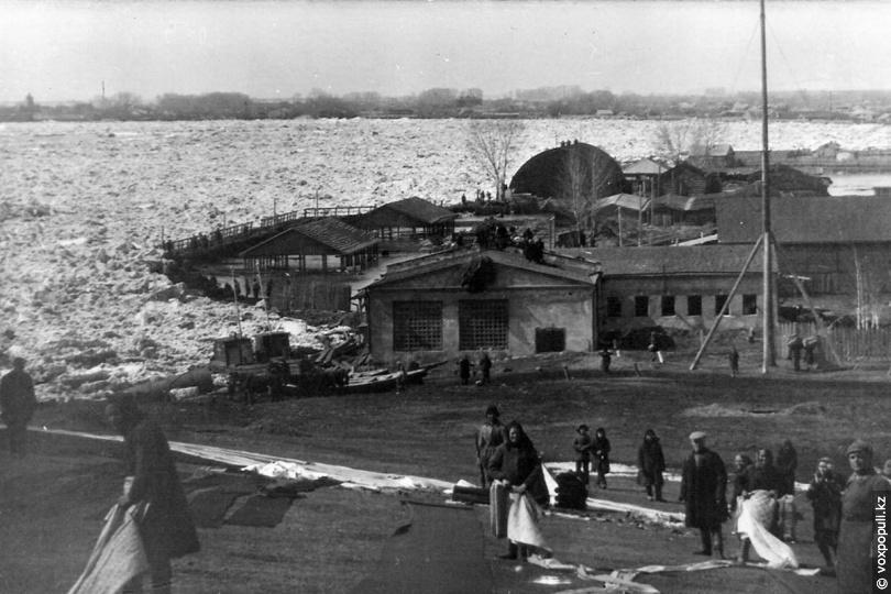 Ледоход на Иртыше, 1920 год