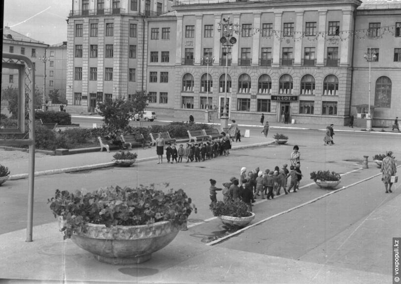 Усть-Каменогорск. Площадь им. Ю. А. Гагарина, 1963 год