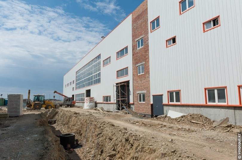 Будівля майбутньої фабрики