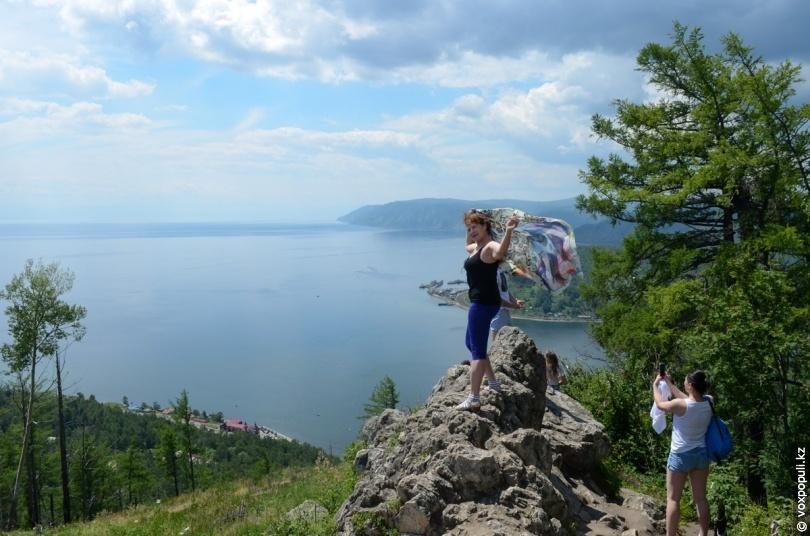 Вид на Байкал з Каменя Черського
