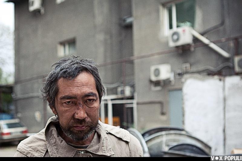 Казахстанские бомжи ебутся на мусорке смотреть онлайн