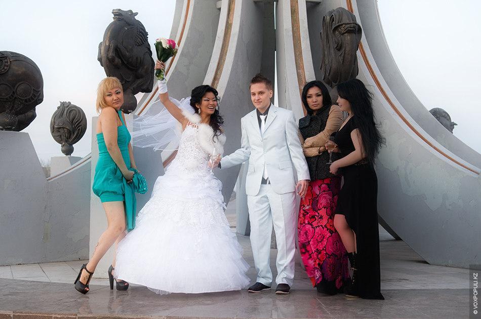 Первая лезбиская свадьба в казахстане