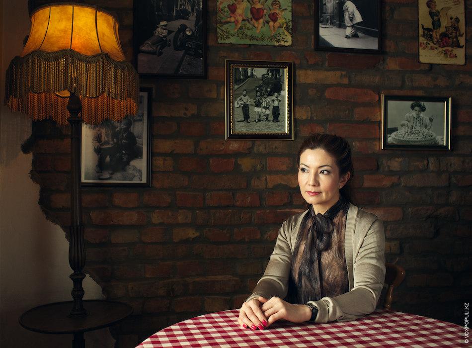 Интервью у писателя взяла известный журналист Айгуль Токсанбаева, с 1991 по 2001 год она работала...
