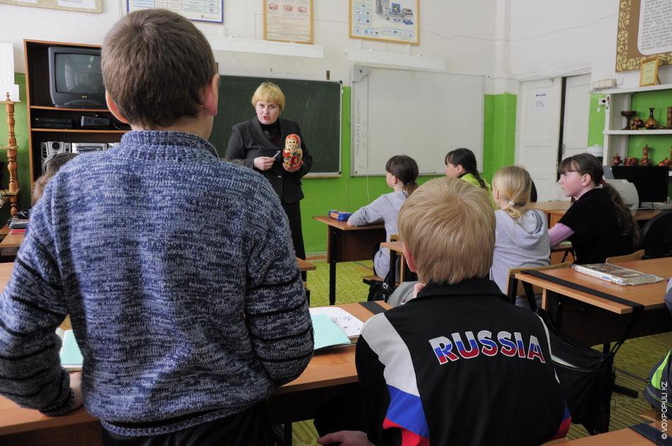 Что делают на уроке русского языка пишут - 8