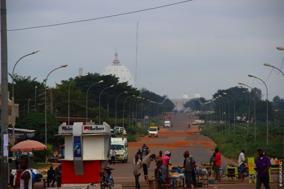 Немного истории: именно на африканском континенте, в Республике Кот-д'Ивуар, располагается самый большой на сегодняшний день...