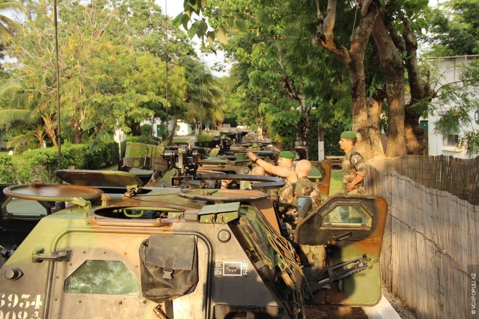 Готовимся ехать на север страны в город Niele, прямо на границе с Мали. Будем сопровождать...