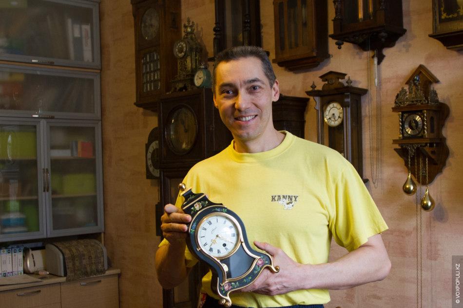 Увидев у одного из друзей красивые часы в серебряном корпусе, Петр увлекся ими. Затем один...