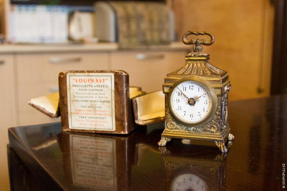 В коллекции Петра среди многих интересных часов есть очень необычные экземпляры специального предназначения. К таким...
