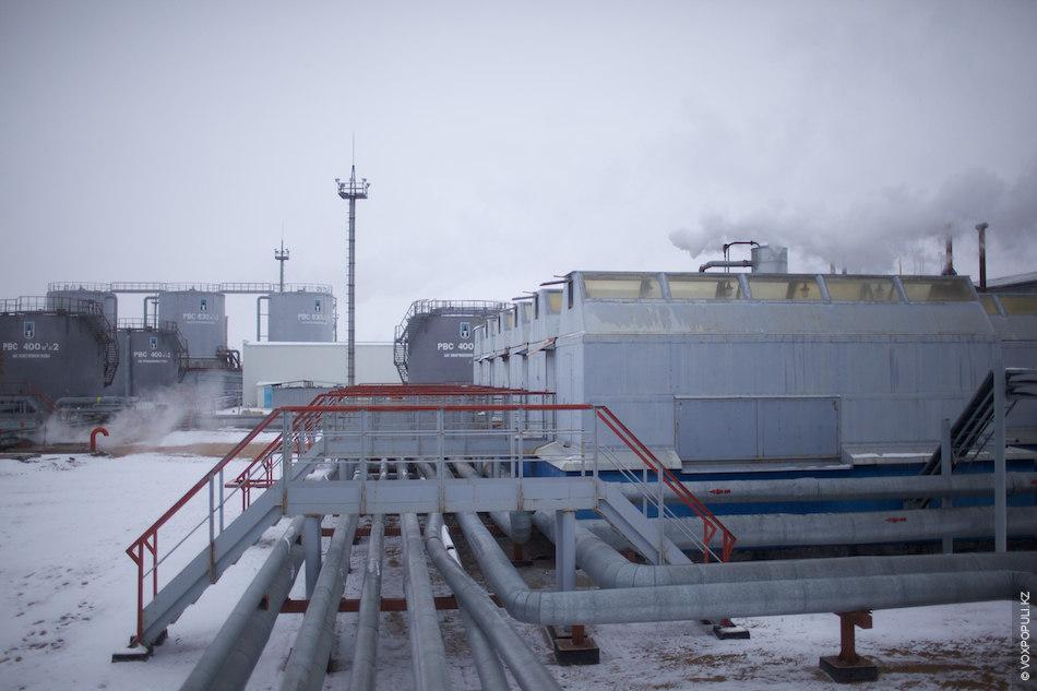 Для того чтобы добывать тяжелую и парафиносодержащую нефть, на Каражанбасе применяют высокозатратную технологию закачки пара...