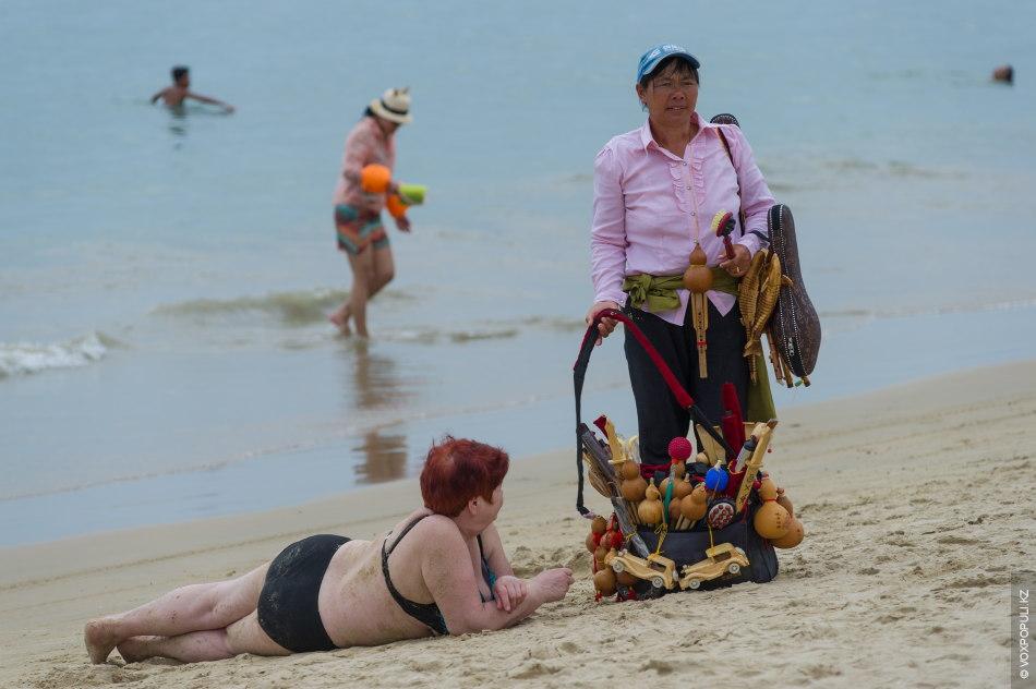 Секс Туризм На Острове Хайнань