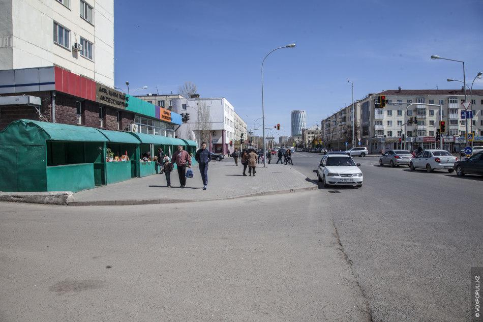 На улицах Астаны, как и, наверное, на улицах любого другого города Казахстана можно встретить торговые...