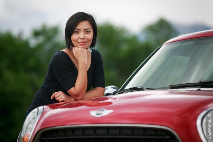 Дилором, 31 год, маркетолог. MINI Countryman, 2012 год, первый автомобиль: