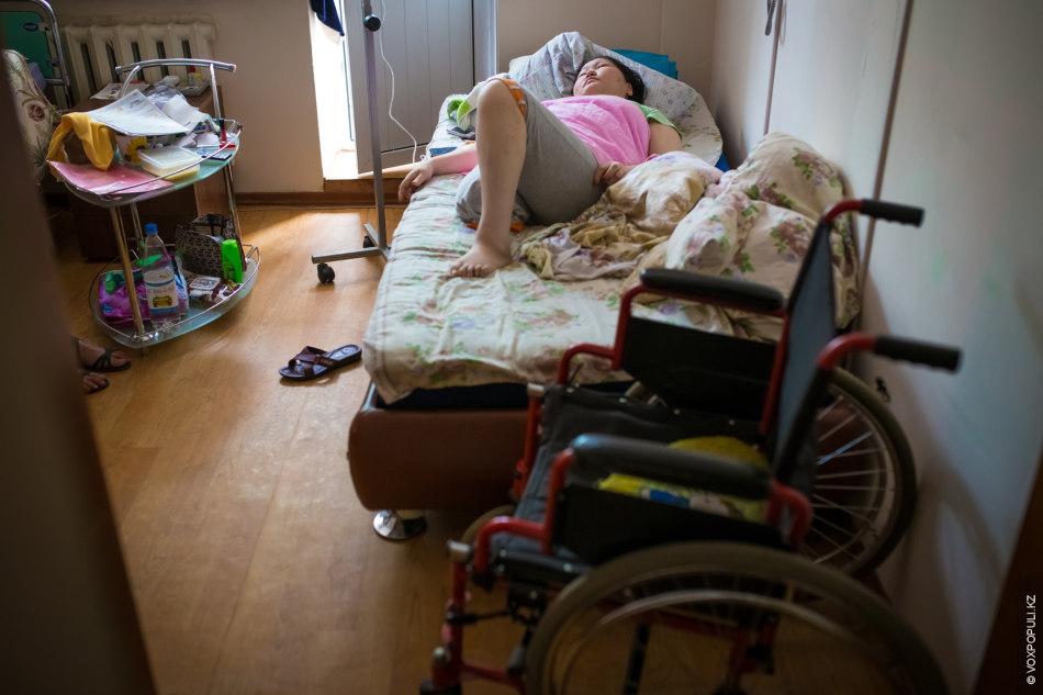 С Гульмирой нас познакомил Жанай Айканович. Сахарный диабет у нее выявили в 2010 году. Женщина...