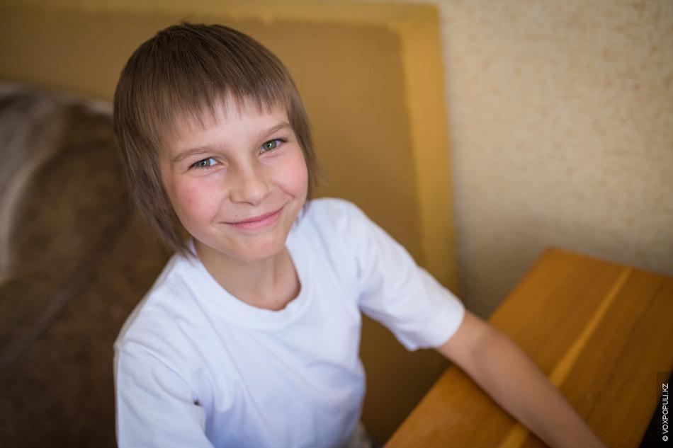 Мирослав, 12 лет. Любит компьютерные игры, мир Толкиена, горы и прогулки. В 7 лет у...