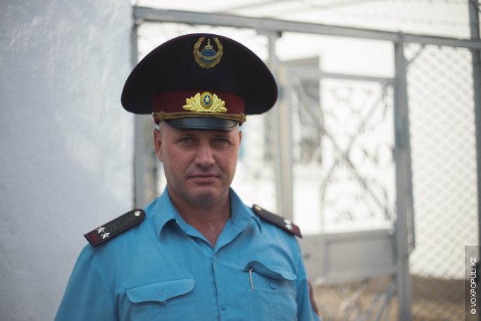 Нас встречает заместитель начальника учреждения Игорь Лихограй, в УК-161/3 он работает уже 14 лет. Всего...