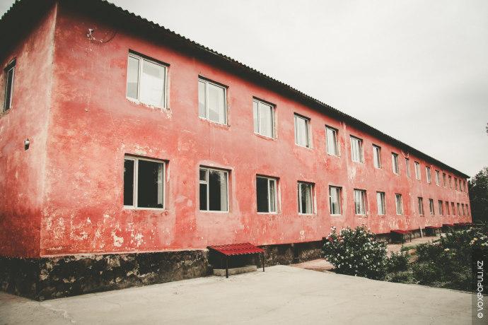 Здание колледжа находится на реконструкции. Администрация заверила, что к началу учебного года закончит все строительные...