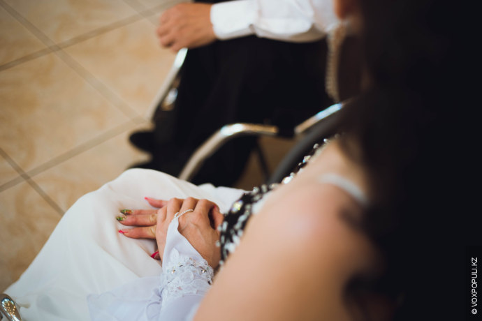 – Когда я ей сделал предложение, она испугалась. Родственники тяжело восприняли наше решение создать семью....