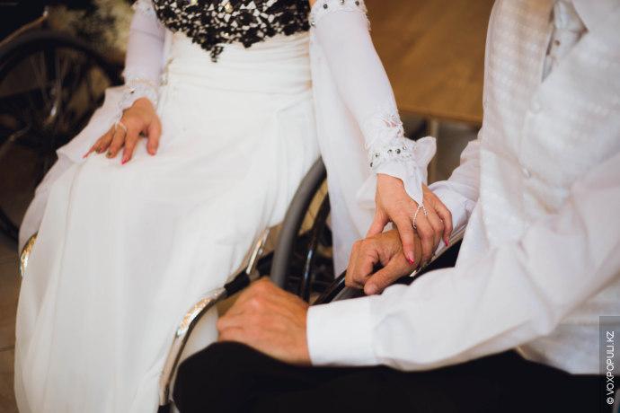 – Приехали старшие из семьи Дюсенгали, меня сосватали, и через неделю он сделал шикарную свадьбу...