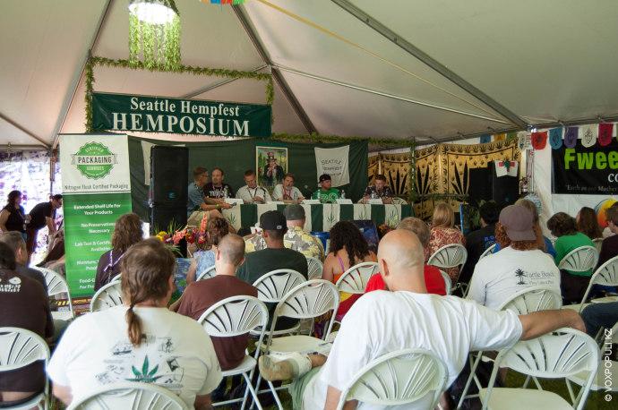 На фестивале даже симпозиум называется хемпозиум (hemp по-английски – «конопля»).
