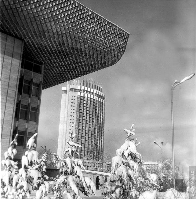 – Руководителем группы стал к тому времени уже заслуженный архитектор Казахской ССР Юрий Григорьевич Ратушный....