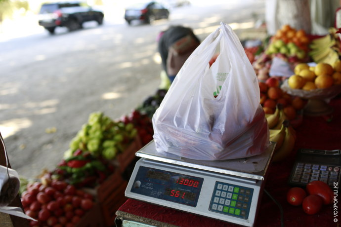 К ценам поставщиков тут накидывают 15%. Основные покупатели – проезжающие мимо.  – Доход небольшой, но...