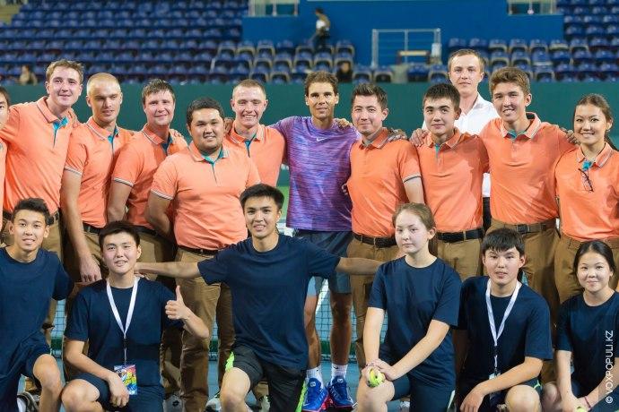 После официальной пресс-конференции и встречи со студентами Nazarbayev University, гости провели мастер-класс для детей –...