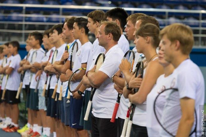 По версии Forbes,Рафаэль Надаль второй среди теннисистов мира по доходам - за последний год он...
