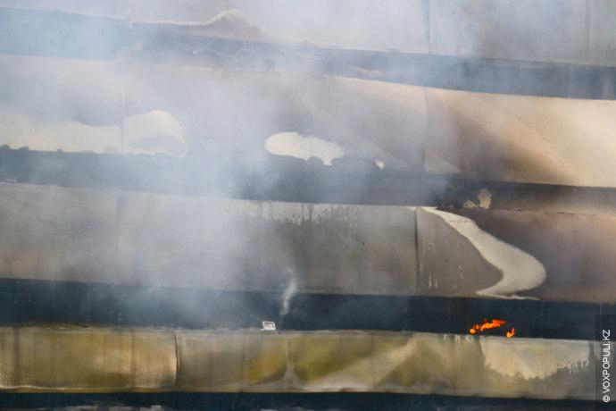 Как сообщают в ДЧС Алматы, звонок о пожаре поступил на пульт дежурного в 09:55. В...