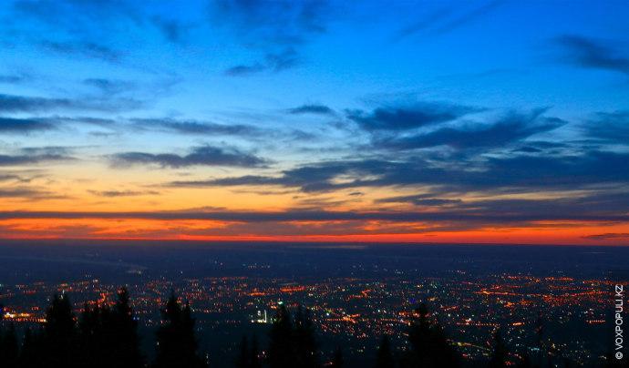 В алматинских горах можно встретить иностранцев, которые преодолели несколько десятков тысяч километров, чтобы надеть на...