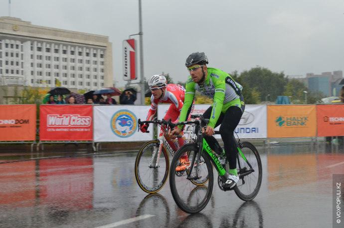 Спринт особая категория велогонок. Тут принимают участие те велосипедисты, которые в многодневках  типа Тур...