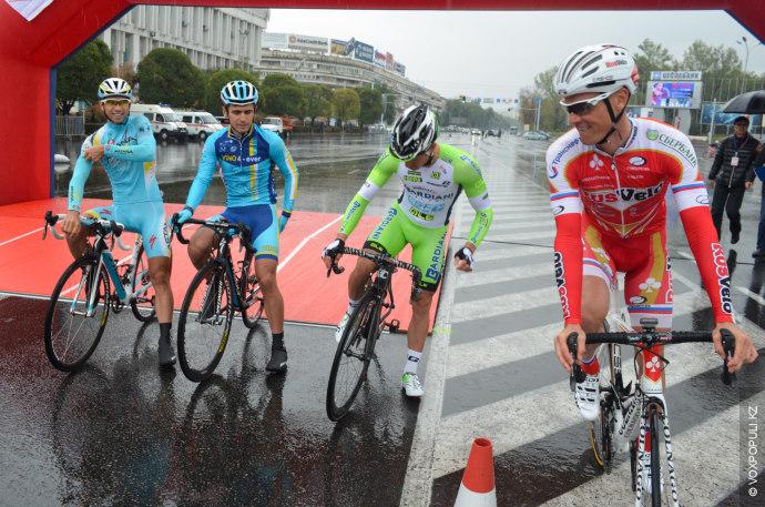 В поддержку Тура Алматы за день до этого соревнования состоялась первая в Казахстане спринтерская велгонка...
