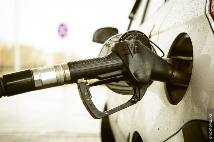 Напомним, 21 августа 2014 года вКазахстане цена самого популярного бензина марки АИ-92 повысилась со115 до128...