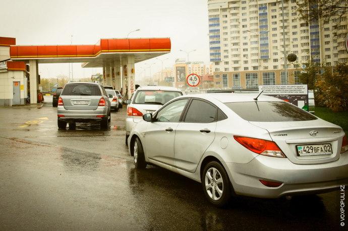 В Казахстане будет сформирован стабилизационный фонд в объеме 50 тыс. тонн бензина, или десятидневной потребности...