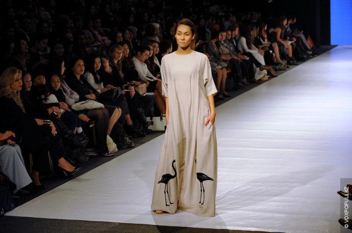 В новой коллекции Кэти Чхиквадзе все так же следует своему принципу - создает комфортную и...