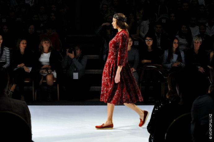 Первой свою коллекцию представила дизайнер Aida Kaumenova.