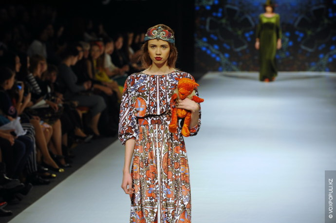 Салтанат Картжанова:  — Как любому человеку, женщине и самое главное - начинающему дизайнеру, мне присуще такая...