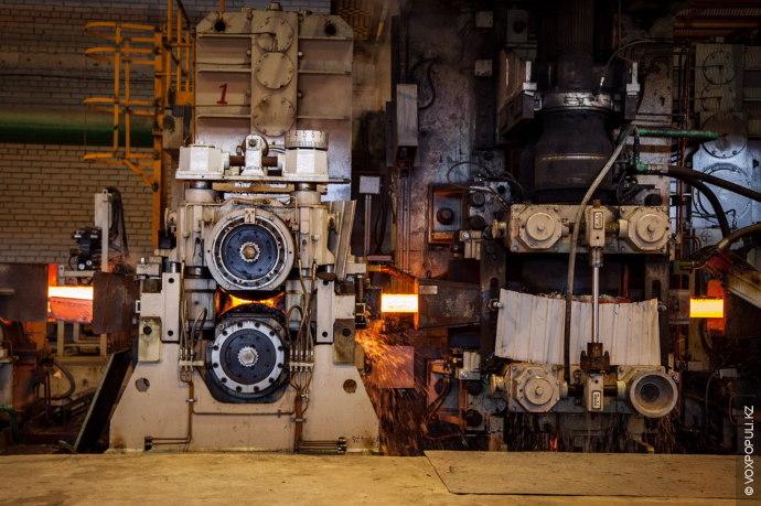 – Сколько на данный момент рабочих трудится на заводе и какие условия для них созданы?  –...